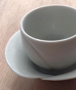Tea cup & saucer - Calla