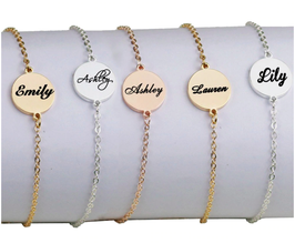 Personalisiertes Armband mit Text 01.