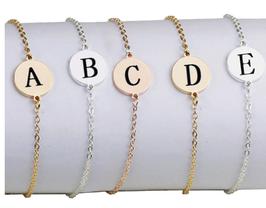 Personalisiertes Armband mit Buchstabe