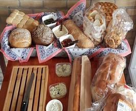 Stokbrood met  de huisgemaakte kruidenboter van De Culinaire Huiskamer 2.0
