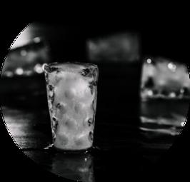 Eiswürfelform in Dubbeglasform