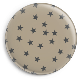 Magnet braun mit schwarzen Sternen (32 mm)