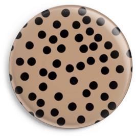 Magnet nude mit schwarzen Punkten (32 mm)