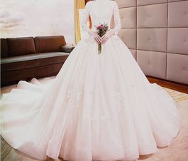 European And American Style Wedding Dress V-neck Middle Sleeved Princess Dream Long Tail Wedding Dress  欧美风格婚纱礼服 V领中袖公主梦幻长拖尾婚纱