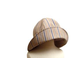 Hut-beige, blau /weißen Streifen