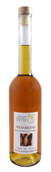 Weinbrand *im Eichenholzfass gereift*
