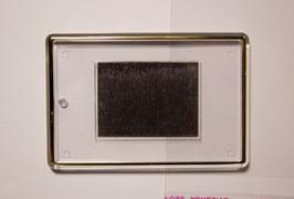 7. Заготовка акрилового магнита 77х52мм разноцветная с золотым тиснением.