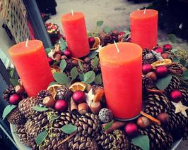 Centrotavola tondo/rettangolare con candela grande/candele piccole