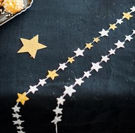 Guirlande petites étoiles blanches et or 2.70mètres