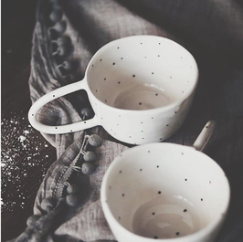 Cup white with dots