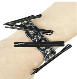 GW - MAGNETIC PIN & MAKEUP HOLDER BRACELET / SILVER