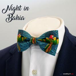 "Noeud papillon motif perroquets sur fond bleu ""Night in Bahia"""