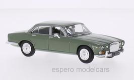 Daimler Sovereign Phase I 4.2 1968-1973 RHD hellgrün