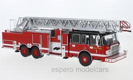 Smeal 105 Aerial Ladder Feuerwehr Drehleiter USA 2015 rot / schwarz / weiss