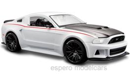 Ford Mustang V Street Racer 2014 weiss / matt-schwarz / rot