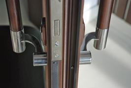 Двухсторонняя дверная ручка скоба 600мм