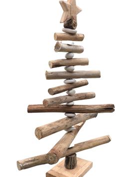 Treibholz Tanne mit Steinen