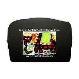 スシャント君のデザイン「黒い象」ポーチ(ブラック)(文字あり、学校名・ホームページ)