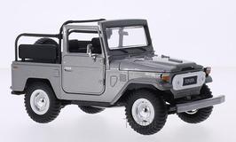 Art.Nr. 16.372 Toyota FJ40 Land Cruiser silber