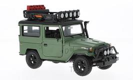 Art.Nr. 16.374 Toyota FJ40 maztt grün mit  Gepäckträger