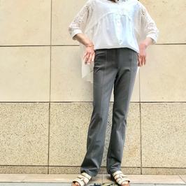 超美脚パンツ