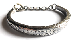 HAMMERED HORSE CUFF & CHAIN