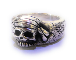 PIRATE SKULL ISLAND RING