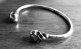 SKULL ANGRY CUFF
