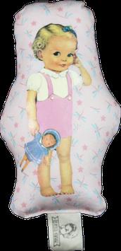 Blondinette à la poupée