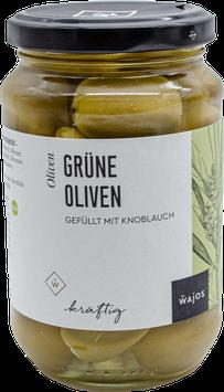 Grüne Oliven mit Knoblauch