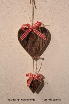 Herzen aus Altholz(Fichte) mit Schleife und Aufhänger