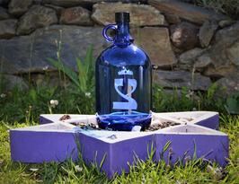Bouteille en verre bleu cobalt 2 L gravée avec Tsaddé (18)