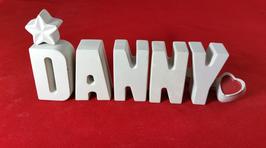 Beton, Steinguss Buchstaben 3D Deko Namen DANNY als Geschenk verpackt mit Stern und Herzklammer!
