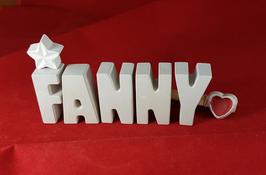 Beton, Steinguss Buchstaben 3D Deko Namen FANNY als Geschenk verpackt mit Stern Und Herzklammer!