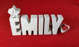 Beton, Steinguss Buchstaben 3D Deko Namen EMILY als Geschenk verpackt mit Stern und Herzklammer!