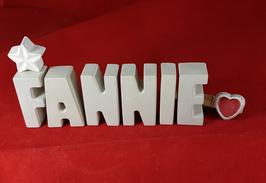 Beton, Steinguss Buchstaben 3D Deko Namen FANNI als Geschenk verpackt mit Stern Und Herzklammer!