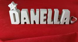Beton, Steinguss Buchstaben 3D Deko Namen DANELLA als Geschenk verpackt mit Stern und Herzklammer!