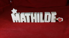 Beton, Steinguss Buchstaben 3D Deko Namen MATHILDE als Geschenk verpackt mit Stern und Herzklammer!
