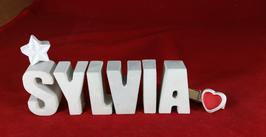 Beton, Steinguss Buchstaben 3D Deko Namen SYLVIA als Geschenk verpackt mit Stern und Herzklammer!