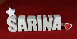 Beton, Steinguss Buchstaben 3D Deko Namen SARINA als Geschenk verpackt mit Stern und Herzklammer!