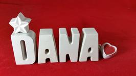 Beton, Steinguss Buchstaben 3D Deko Namen DANA als Geschenk verpackt mit Stern und Herzklammer!