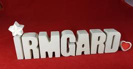 Beton, Steinguss Buchstaben 3D Deko Namen IRMGARD als Geschenk verpackt mit Stern und Herzklammer!