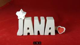 Beton, Steinguss Buchstaben 3D Deko Namen JANA als Geschenk verpackt mit Stern und Herzklammer!