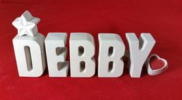 Beton, Steinguss Buchstaben 3D Deko Namen DEBBY als Geschenk verpackt mit Stern und Herzklammer!