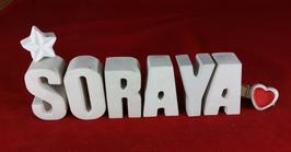 Beton, Steinguss Buchstaben 3D Deko Namen SORAYA als Geschenk verpackt mit Stern und Herzklammer!