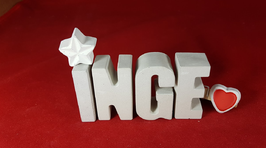 Beton, Steinguss Buchstaben 3D Deko Namen INGE als Geschenk verpackt mit Stern und Herzklammer!