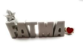 Beton, Steinguss Buchstaben 3D Deko Namen FATMA als Geschenk verpackt mit Stern Und Herzklammer!