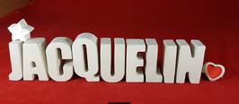 Beton, Steinguss Buchstaben 3D Deko Namen JACQUELIN als Geschenk verpackt mit Stern und Herzklammer!