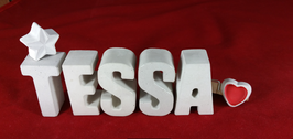 Beton, Steinguss Buchstaben 3D Deko Namen TESSA als Geschenk verpackt mit Stern und Herzklammer!