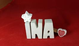 Beton, Steinguss Buchstaben 3D Deko Namen INA als Geschenk verpackt mit Stern und Herzklammer!